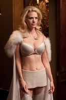 Emma Frost (January Jones)