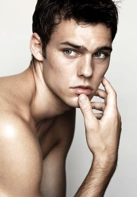 holden nowell age